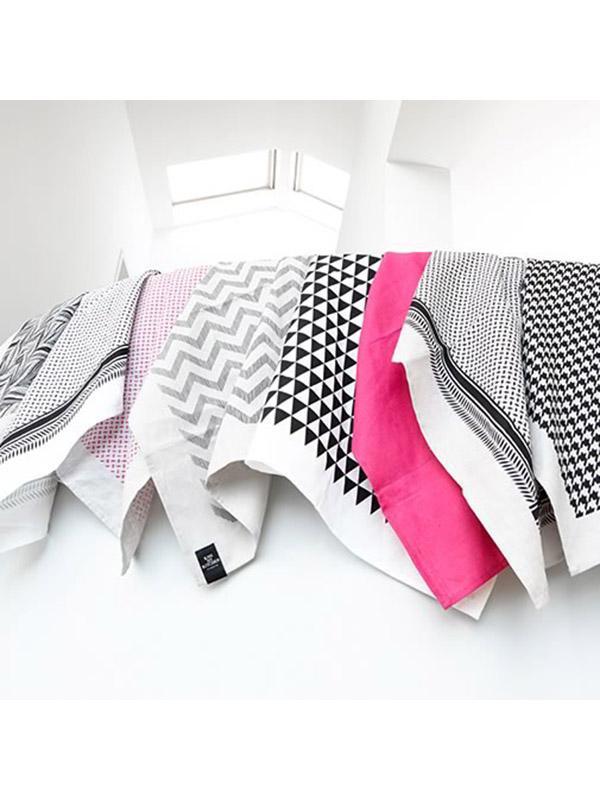 kiss my kitchen geschirrtuch annibazaar. Black Bedroom Furniture Sets. Home Design Ideas
